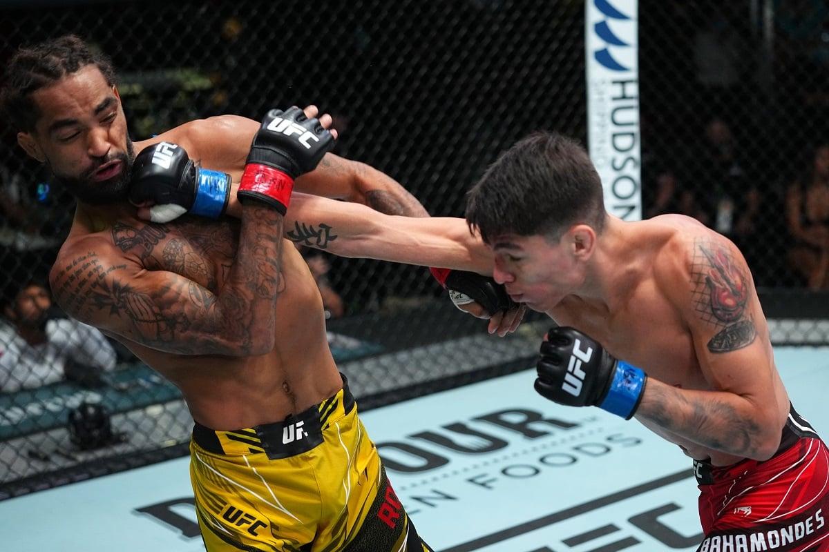 Bahamondes noquea con una poderosa patada y obtiene primera victoria en la UFC - Ag. Fight - Agencia de noticias